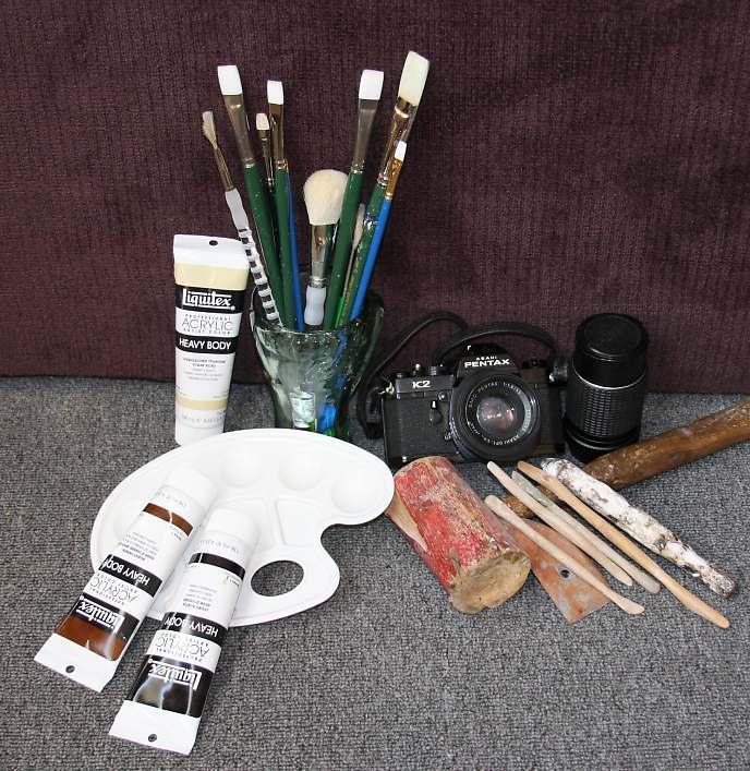 Artist painting tools the image kid has it - Painting tool avis ...